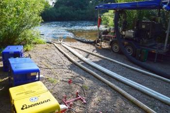 Pumpleistung: Etwa 10.000 l/min Frischwasser wurden in Ebensfeld aus dem Main in den See gepumpt. Am Westsee wurden sogar 24.000 l/min erreicht.